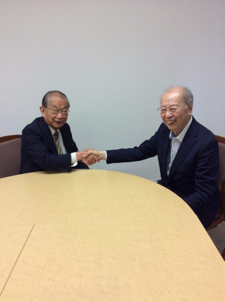大野新会長と秋山前会長
